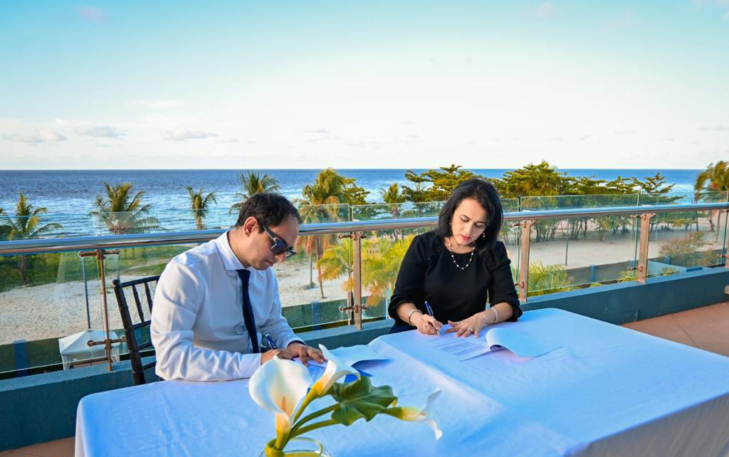 MoU Signing by Presidents of AMCHAM T&T and AmCham Guyana